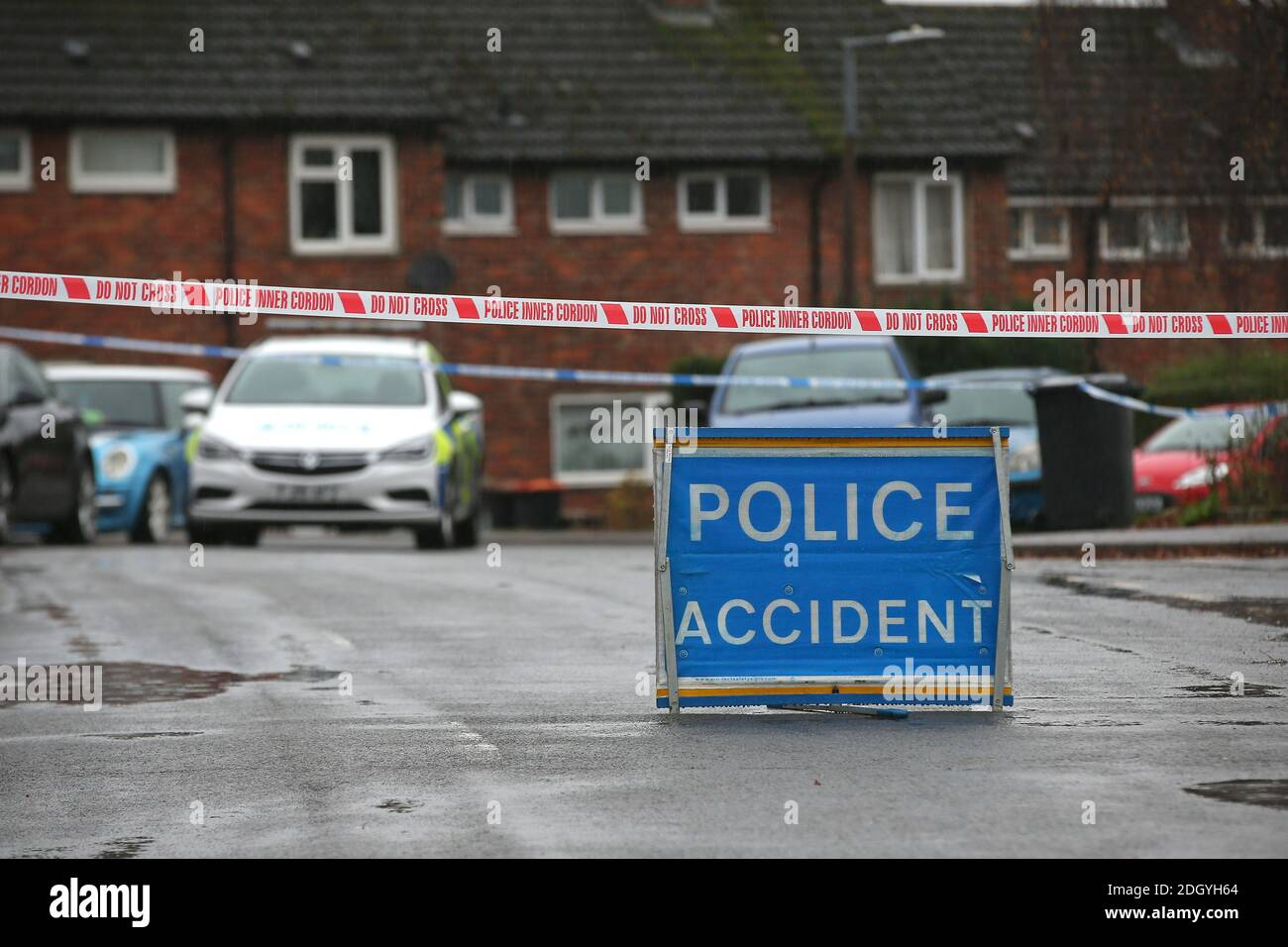 Signo de accidente policial, Nottingham, jueves 3 de diciembre de 2020. Foto de stock