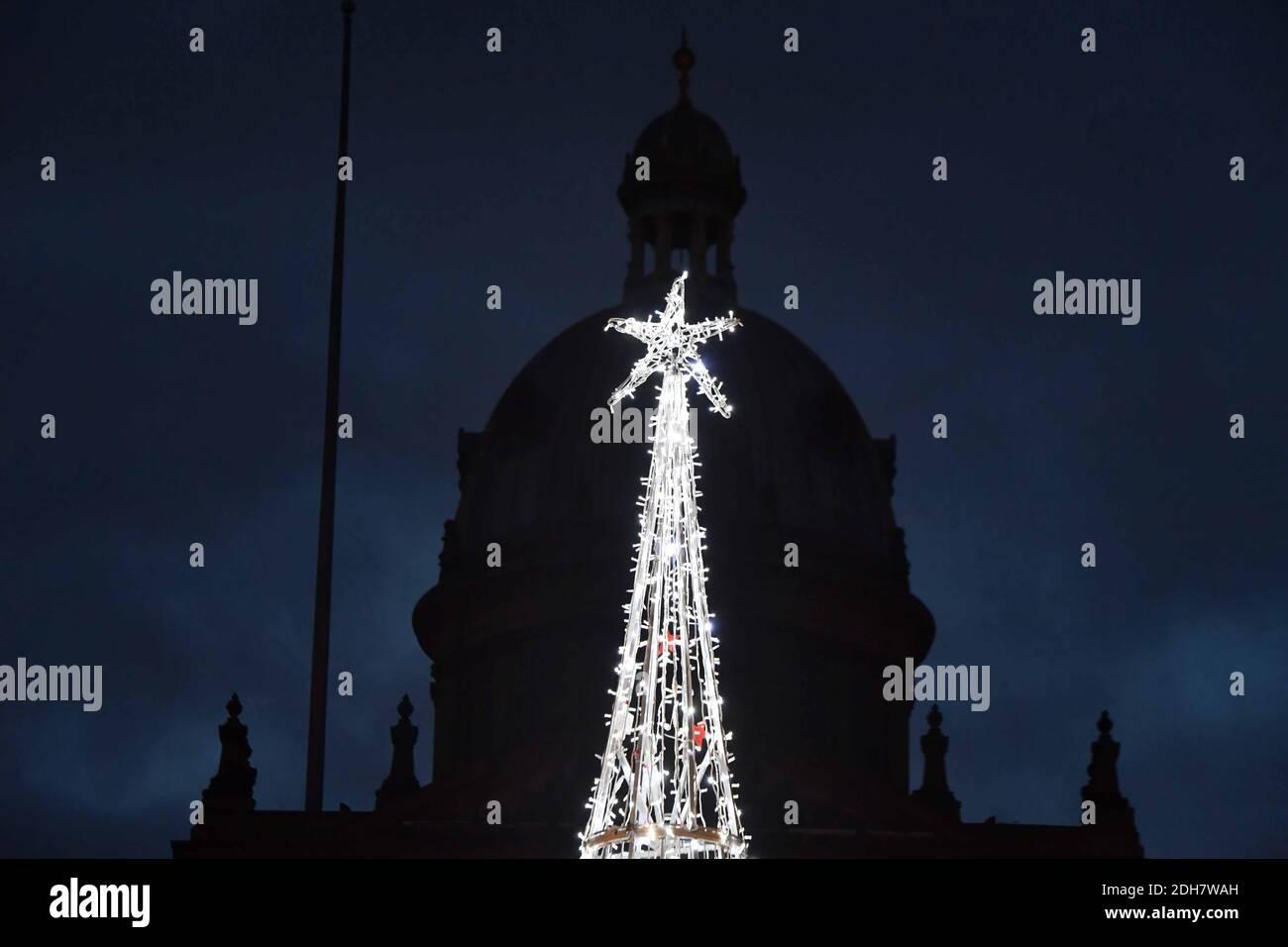 Las luces navideñas de Birmingham se encienden para la próxima temporada festiva en New Street y Victoria Square, el jueves 12 de noviembre de 2020. Foto de stock