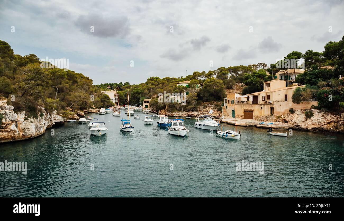 El Puerto de Cala Figuera, Mallorca, España. Foto de stock