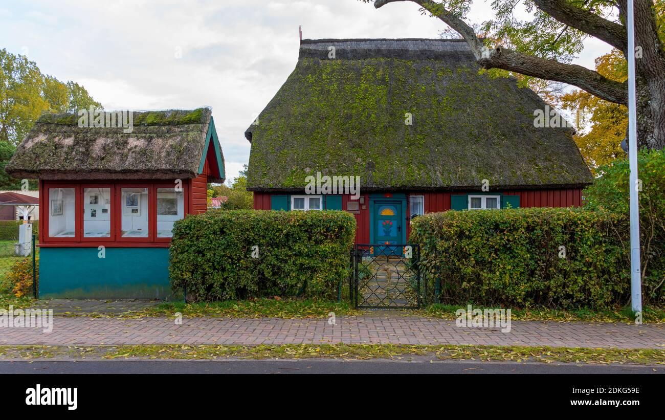 Alemania, Mecklemburgo-Pomerania Occidental, Prerow, Eschenhaus, antigua casa del pintor y artista gráfico Theodor Schultze-Jasmer (7 de julio de 1888 - 30 de octubre de 1975), Mar Báltico Foto de stock