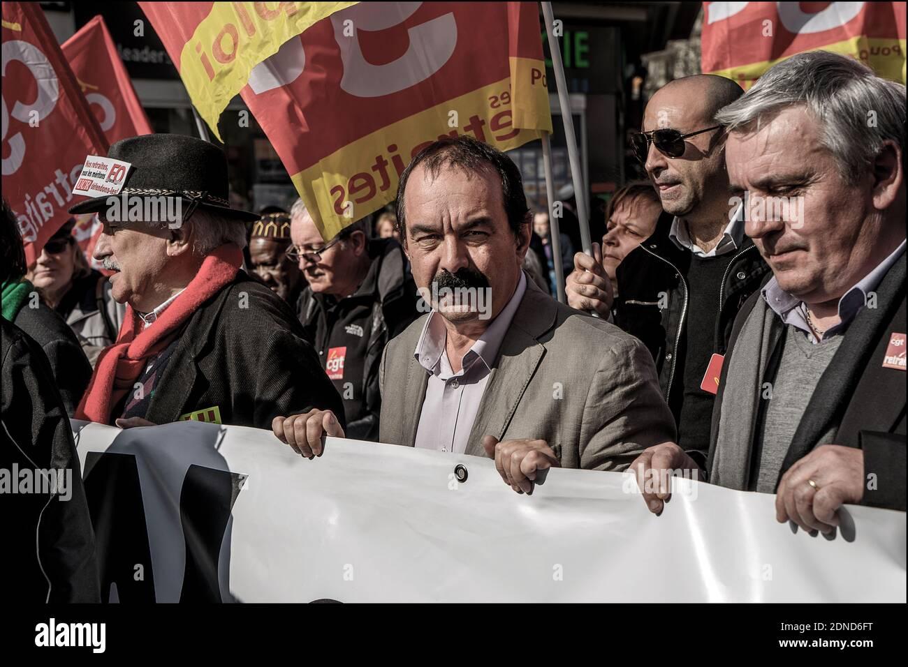 el secretario general del sindicato de la CGT, Philippe Martinez, habla con la prensa durante una manifestación por los derechos de pensión en París, Francia, el 17 de marzo de 2015. Foto de Renaud Khanh/ABACAPRESS.COM Foto de stock