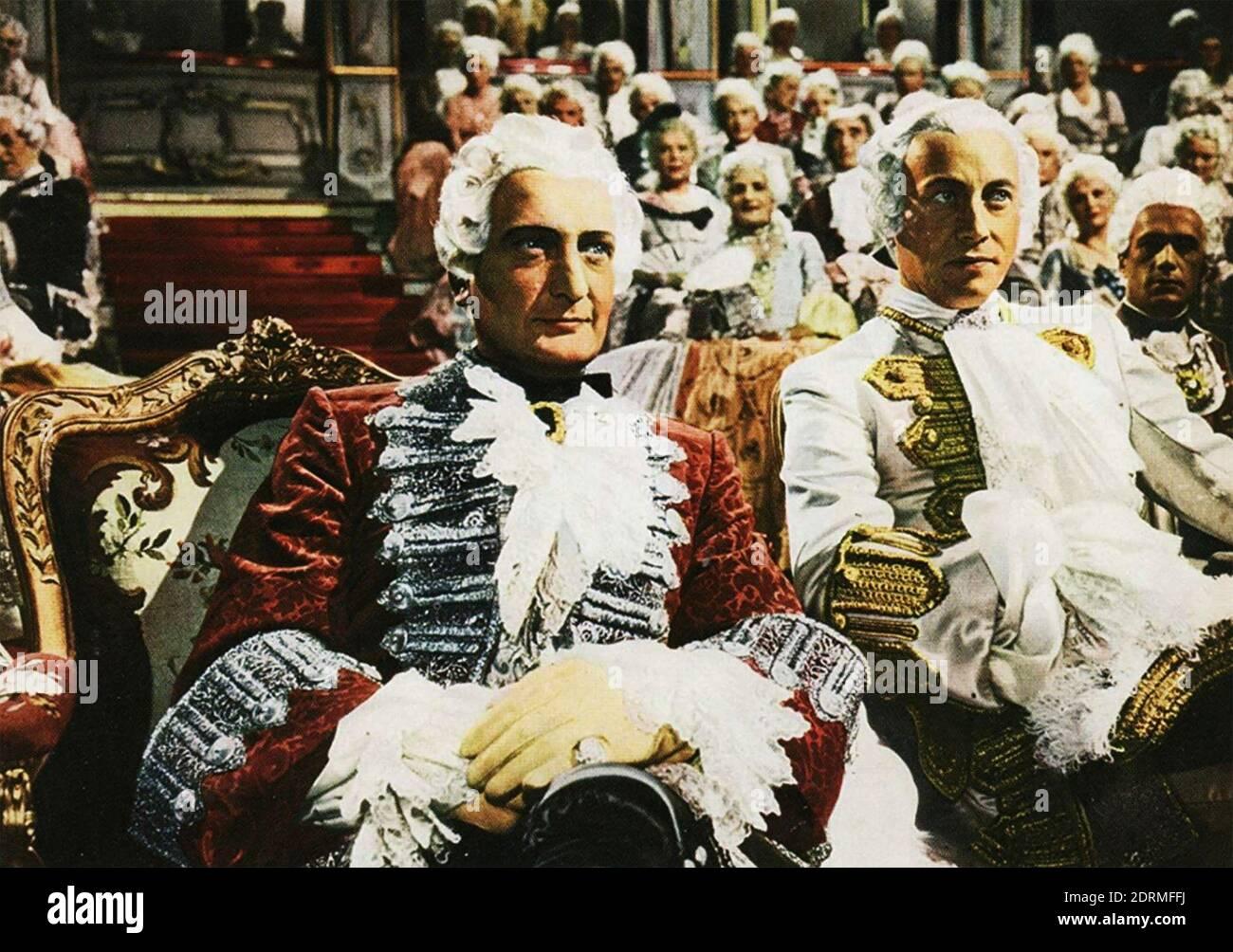 MÜNCHHAUSEN 1943 producción de Universum Film con Hans Albers en el título de la función aquí a la izquierda en una visita a la Tribunal de Rusia Foto de stock