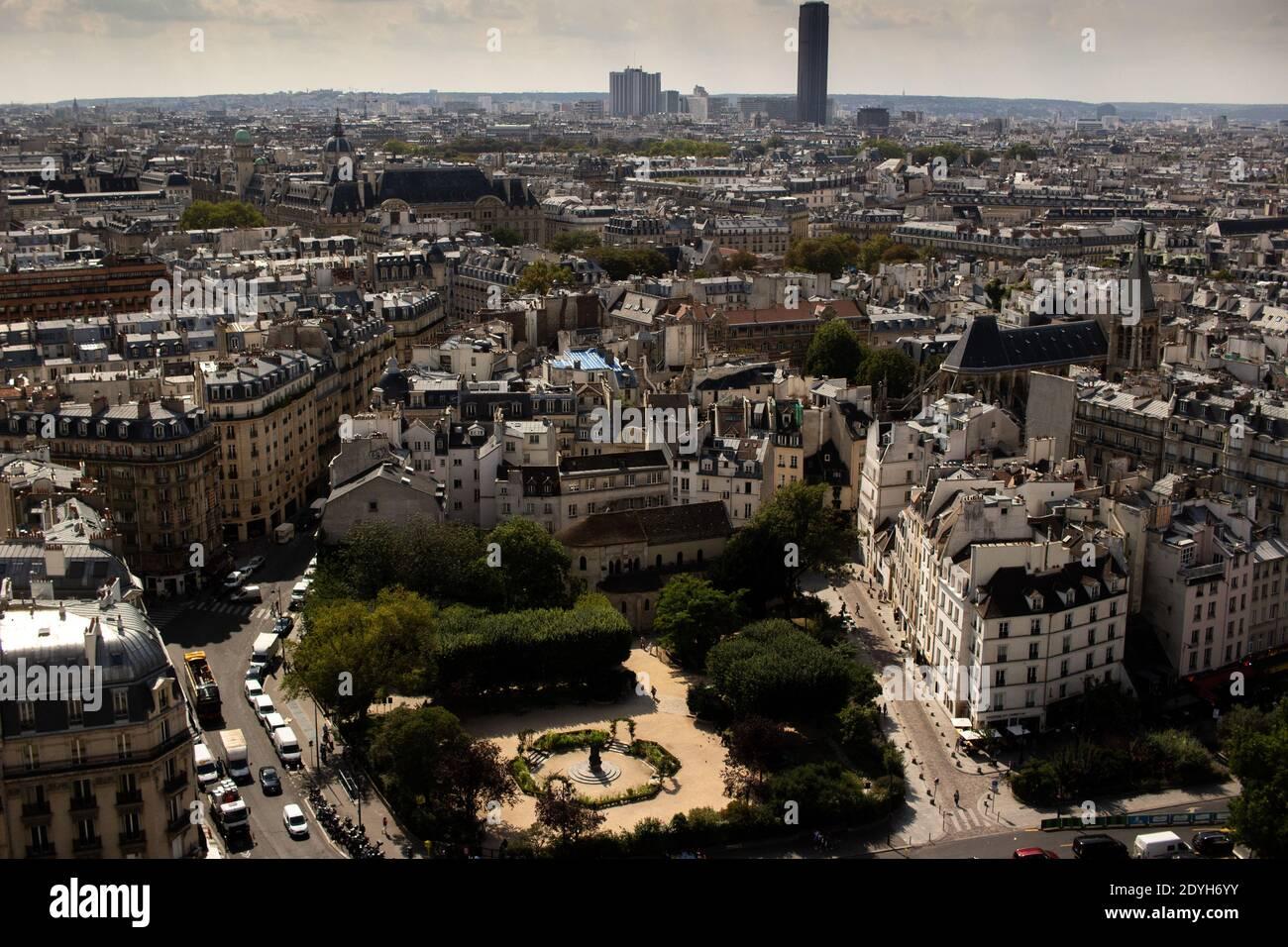 Lllustration de la vida cotidiana en París, Francia. Lllustration du quotidien à Paris en Francia. Foto de stock