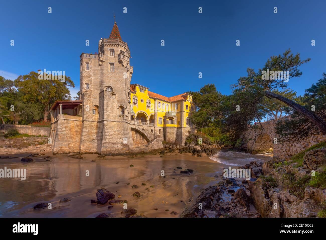 El Palacio Conde de Castro Guimarães Foto de stock