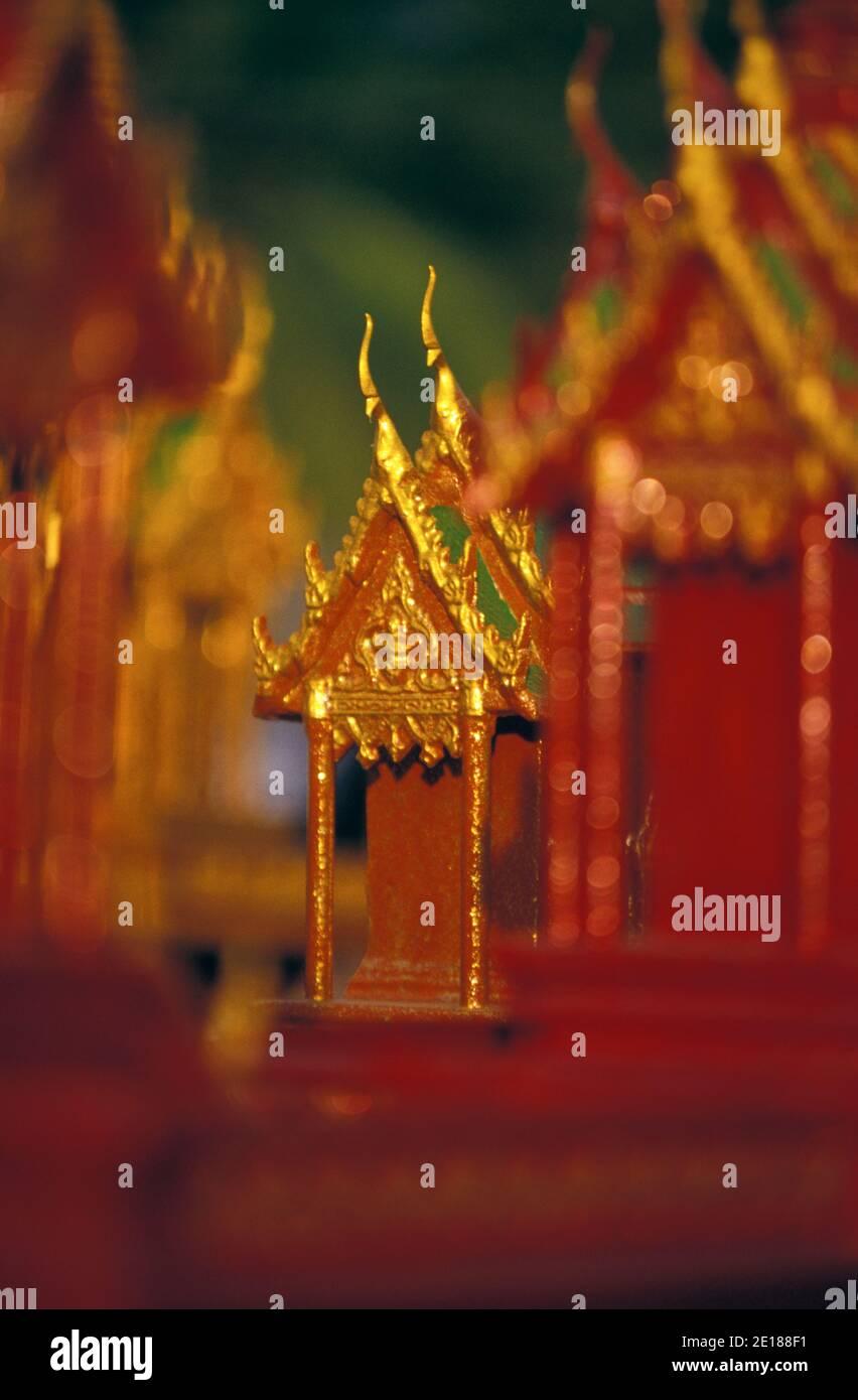 "Templos religiosos en miniatura, ""Budas House"" en Phuket, Tailandia Foto de stock"