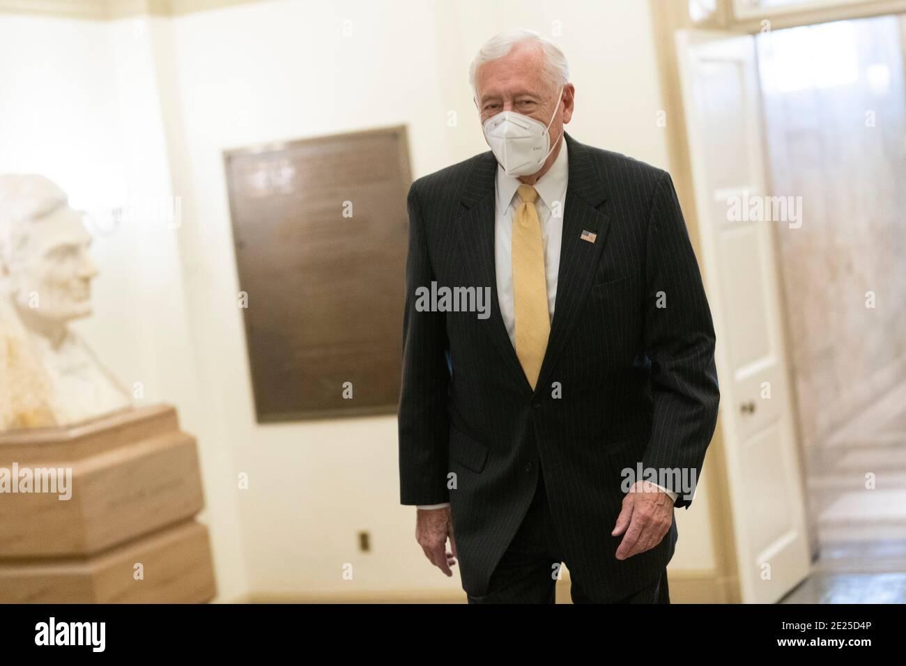 Washington DC- Steny Hoyer, líder de la mayoría de la Cámara de representantes, llega a Capitol Hill. Crédito de la foto: Chris Kleponis/Sipa, EE.UU. 12 de enero de 2021. Crédito: SIPA USA/Alamy Live News Foto de stock