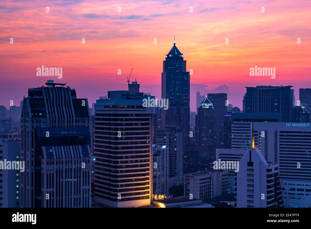 Paisaje al atardecer sobre Bangkok, Tailandia Foto de stock