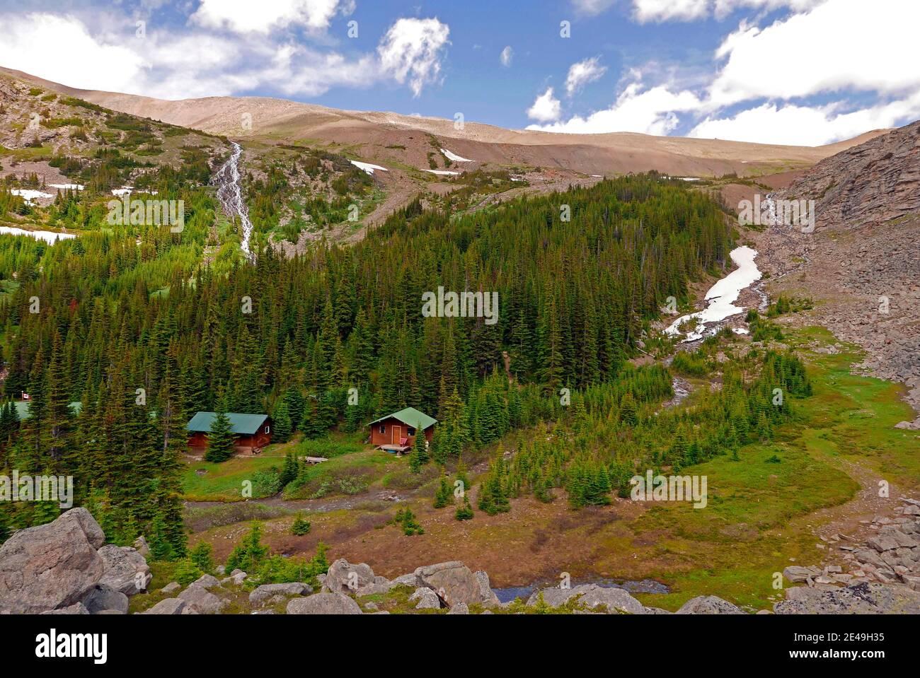 Shovel Pass Lodge, Skyline Sendero de caminatas en Jasper, Parque Nacional Jasper, Montañas Rocosas, Alberta, Canadá Foto de stock