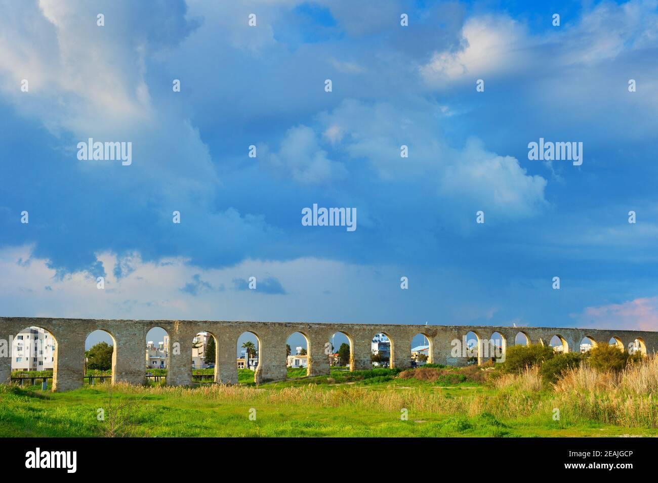 Acueducto de Kamares, Larnaca, Chipre Foto de stock