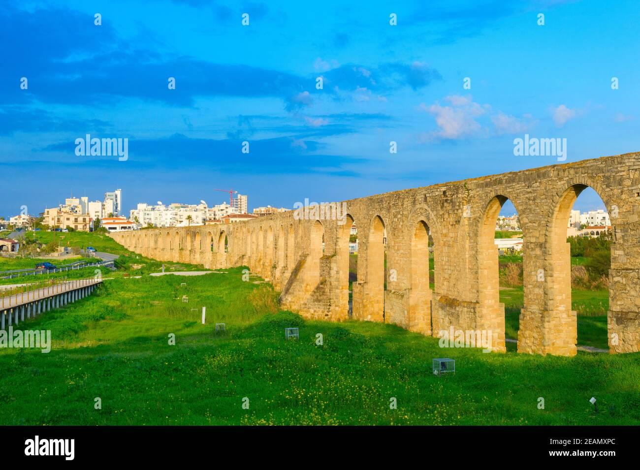 Kamares Aqueduct sitio Larnaca Chipre Foto de stock