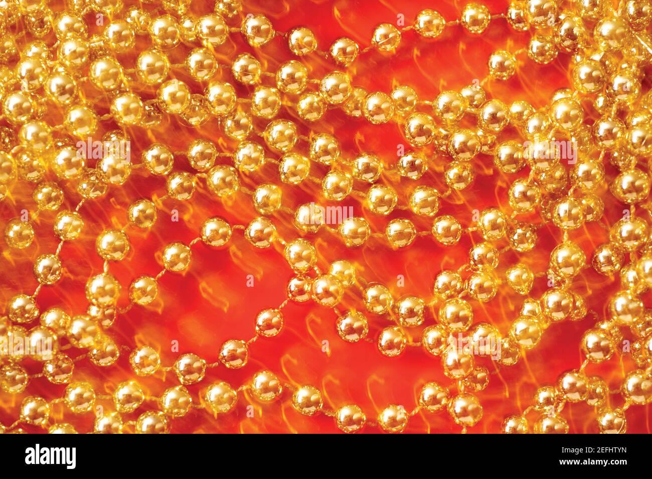Primer plano de cuentas de oro Foto de stock