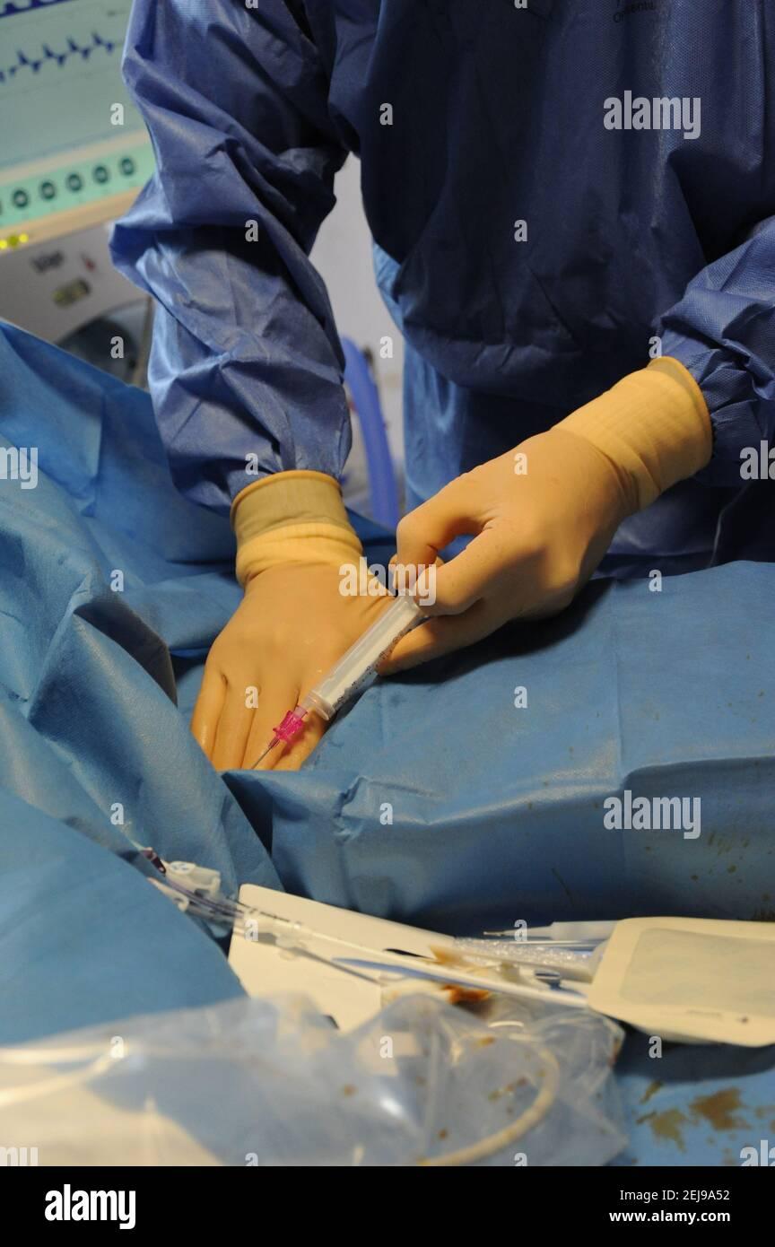 Unidad de cuidados intensivos médicos Foto de stock
