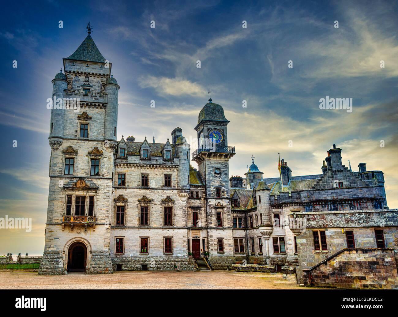 Dunrobin Castillo. Sede de la familia del conde de Sutherland con 189 habitaciones es la gran casa más grande en las tierras altas del norte, Golspie, Escocia Foto de stock