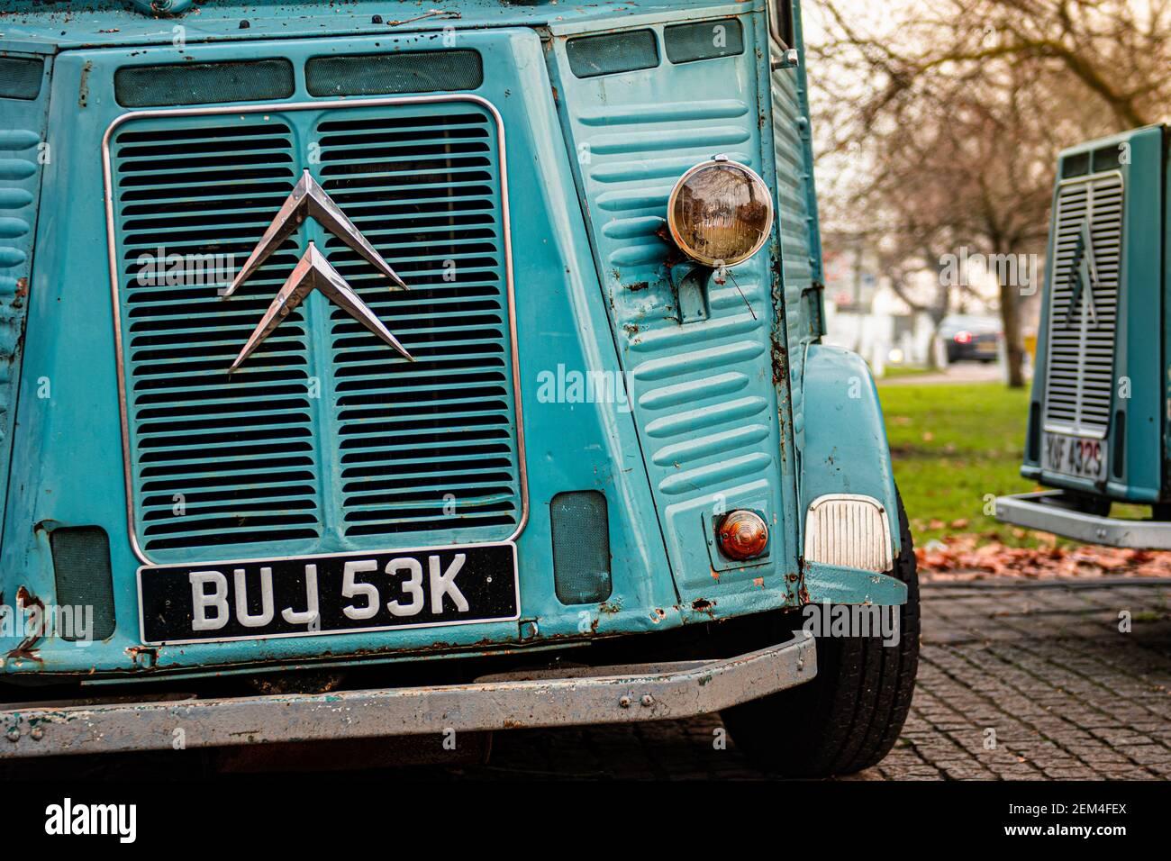 Emilios Street Food Vintage Citreon HY Van en Harpenden High Street, Hertfordshire, Reino Unido Foto de stock