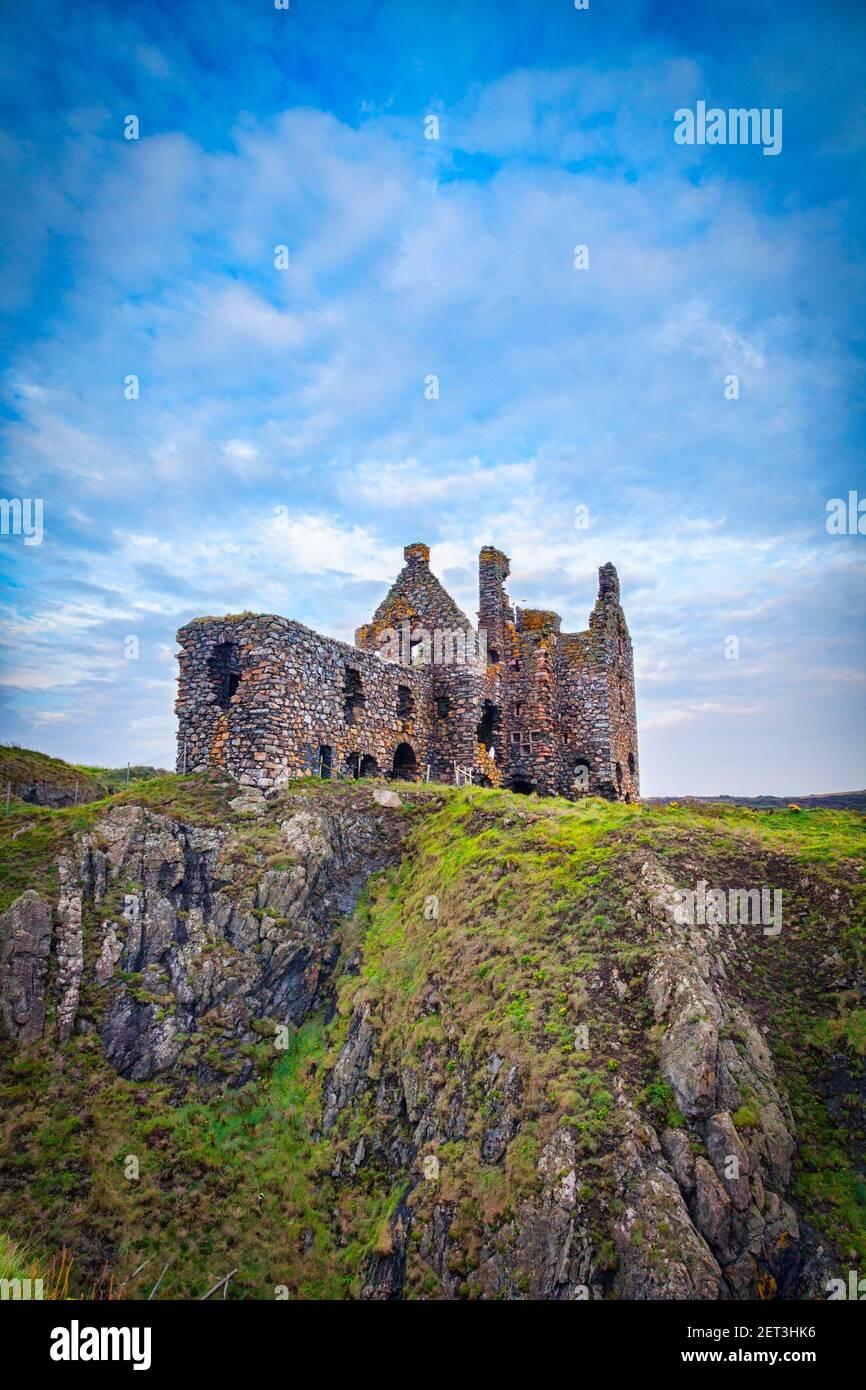 Dunskey Castle, cerca de Portpatrick, Dumfries y Galloway, en el sur-oeste de Escocia. Foto de stock