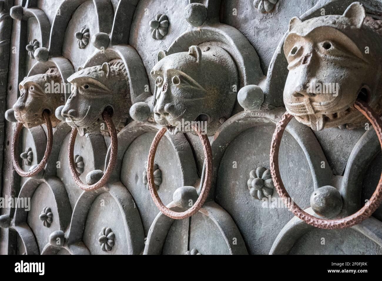 Venecia, Italia. Detalle de la puerta de la Basílica de San Marcos (San La Basílica de San Marcos), la de San Marcos Foto de stock