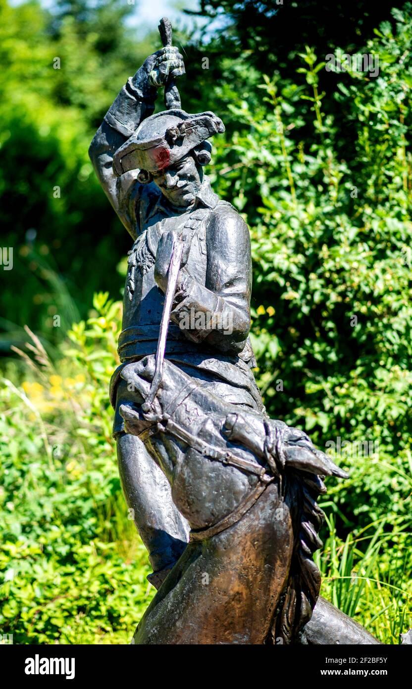Bodenwerder, Alemania. 23rd de junio de 2020. Una escultura del barón Muenchhausen en un parque en Bodenwerder (Alemania), 23 de junio de 2020. Crédito: dpa/Alamy Live News Foto de stock