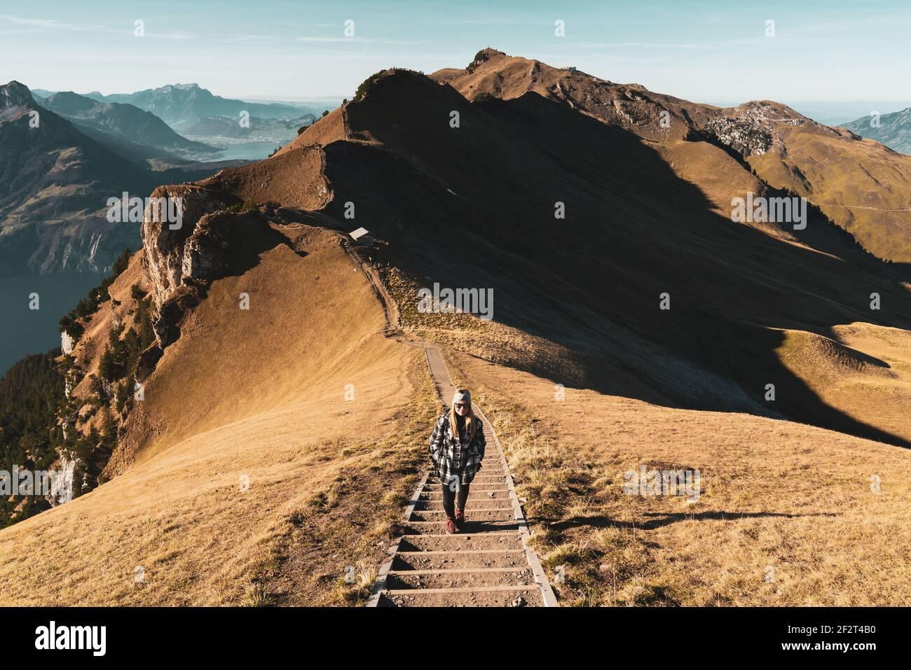 Herbst GRATWANDERUNG KLINGENSTOCK nach FRONALPSTOCK - Stoos (Schwyz) - Schweiz Foto de stock