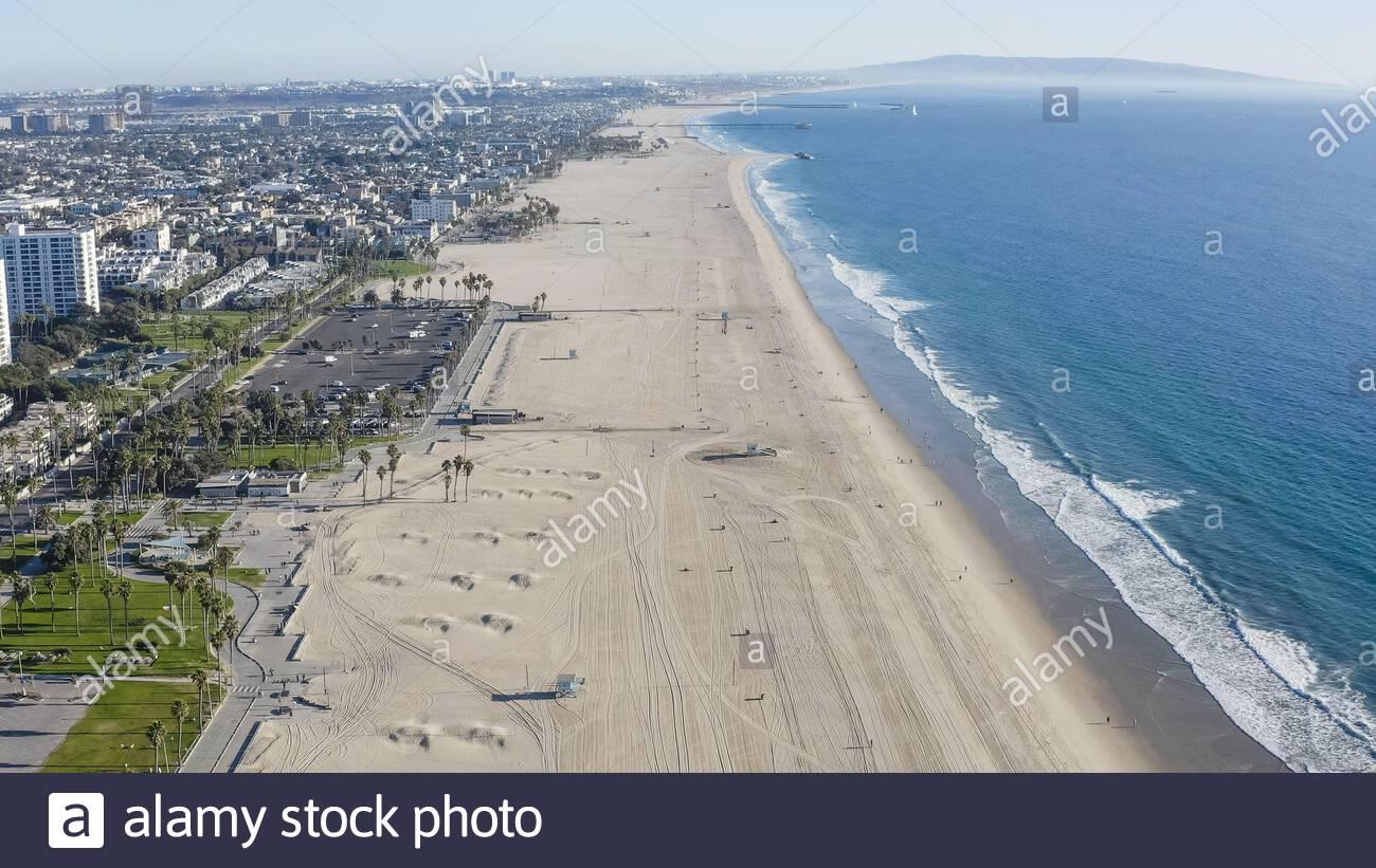 Vista aérea mirando al sur de la playa de Santa Mónica, vista aérea - Ocean Park, Santa Mónica, California, Estados Unidos (EE.UU.) Foto de stock
