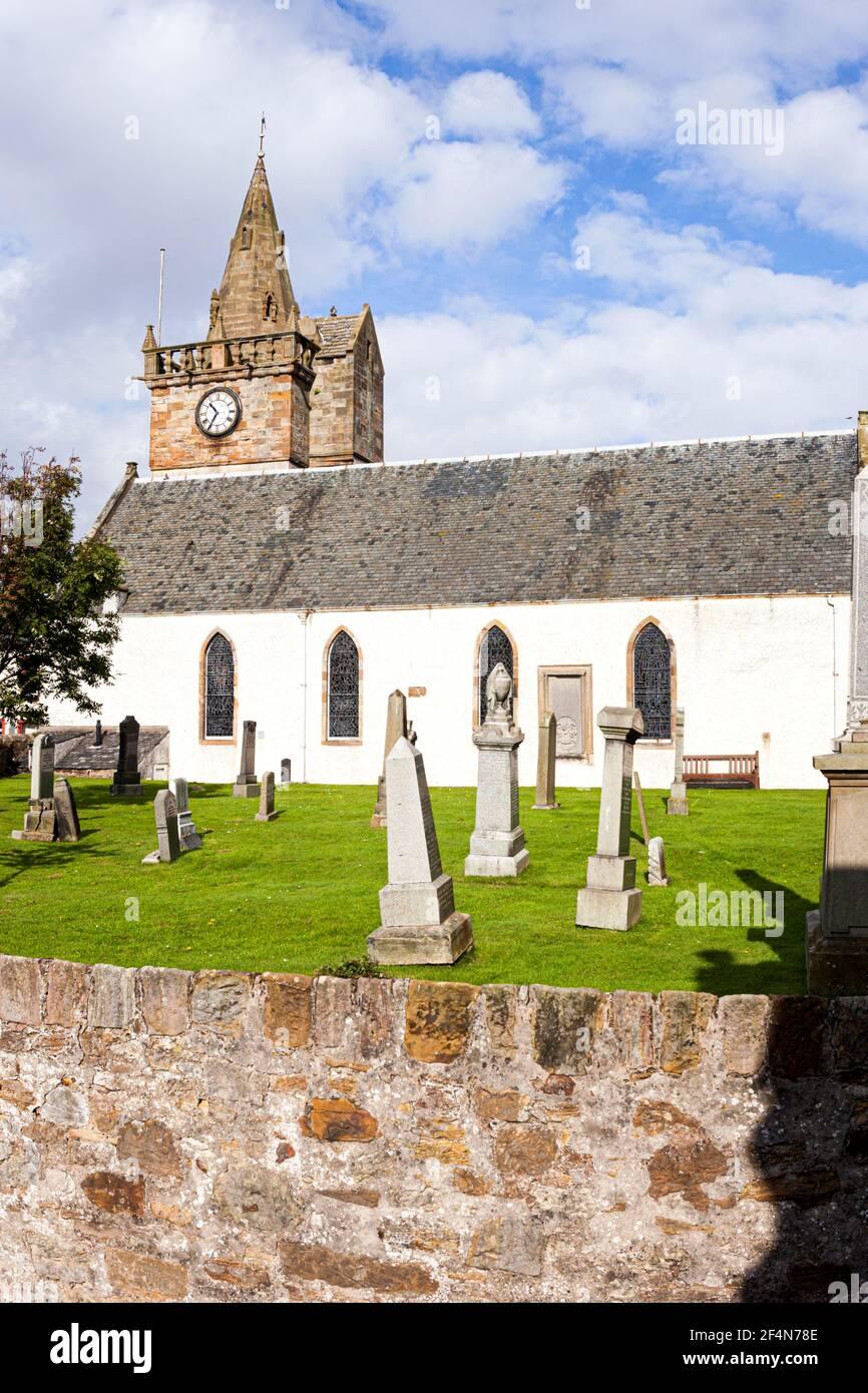 La iglesia parroquial en el pueblo pesquero de Pittenweem en el este Neuk de Fife, Escocia Reino Unido Foto de stock