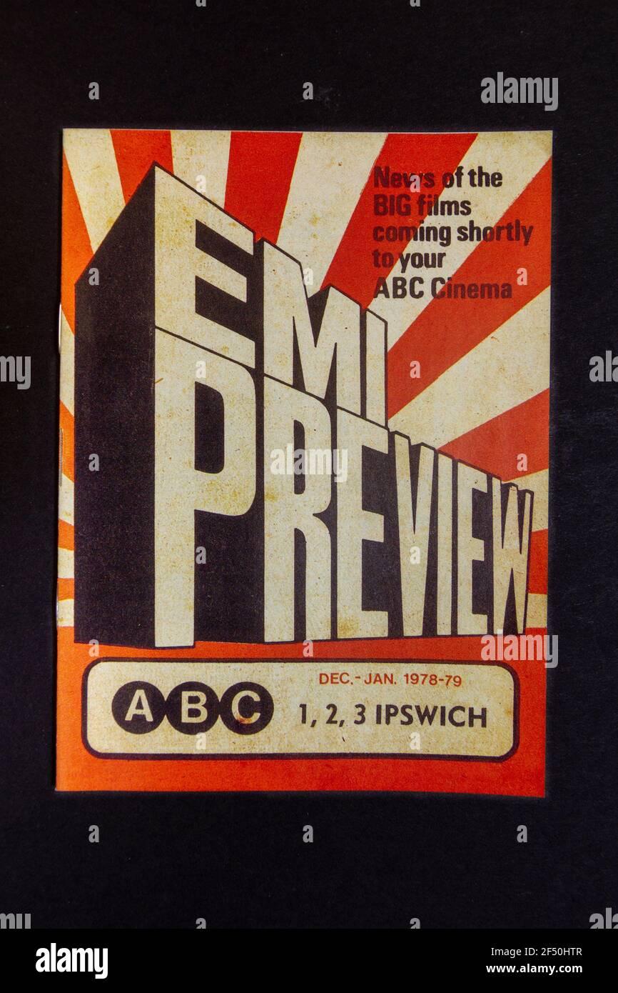 Una réplica de EMI Preview librito (portada), parte de un paquete de recuerdos de la infancia de la escuela 1970s. Foto de stock