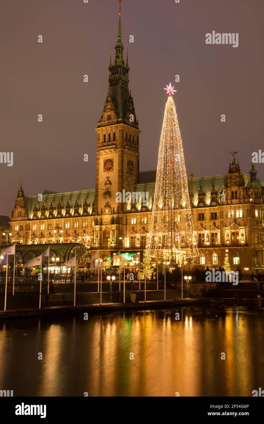 Geografía / viajes, Alemania, Hamburgo, ayuntamiento, mercado histórico de Navidad, Derechos adicionales-liquidación-Información-no-disponible Foto de stock
