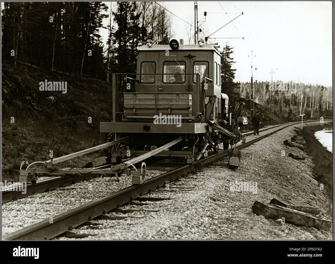 Dirección de los carriles entre la ruta entre Harsjön y Bälgviken en 1967. Foto de stock