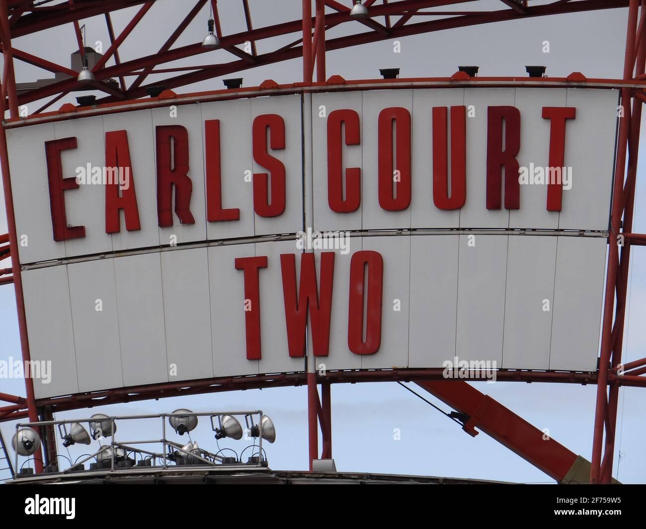 Demoliendo el dos centro de exposiciones de Earl's Court en Londres, Reino Unido Foto de stock