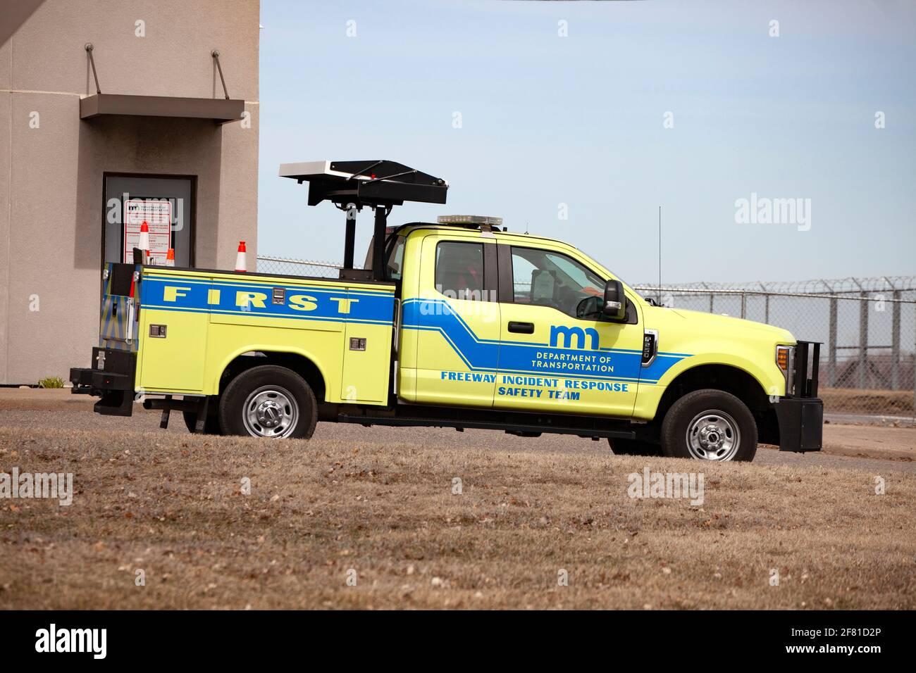 Departamento de Transporte de la autopista respuesta a incidentes camión del equipo de seguridad en el Aeropuerto Internacional St Paul de Minneapolis. Minneapolis Minnesota MN Estados Unidos Foto de stock