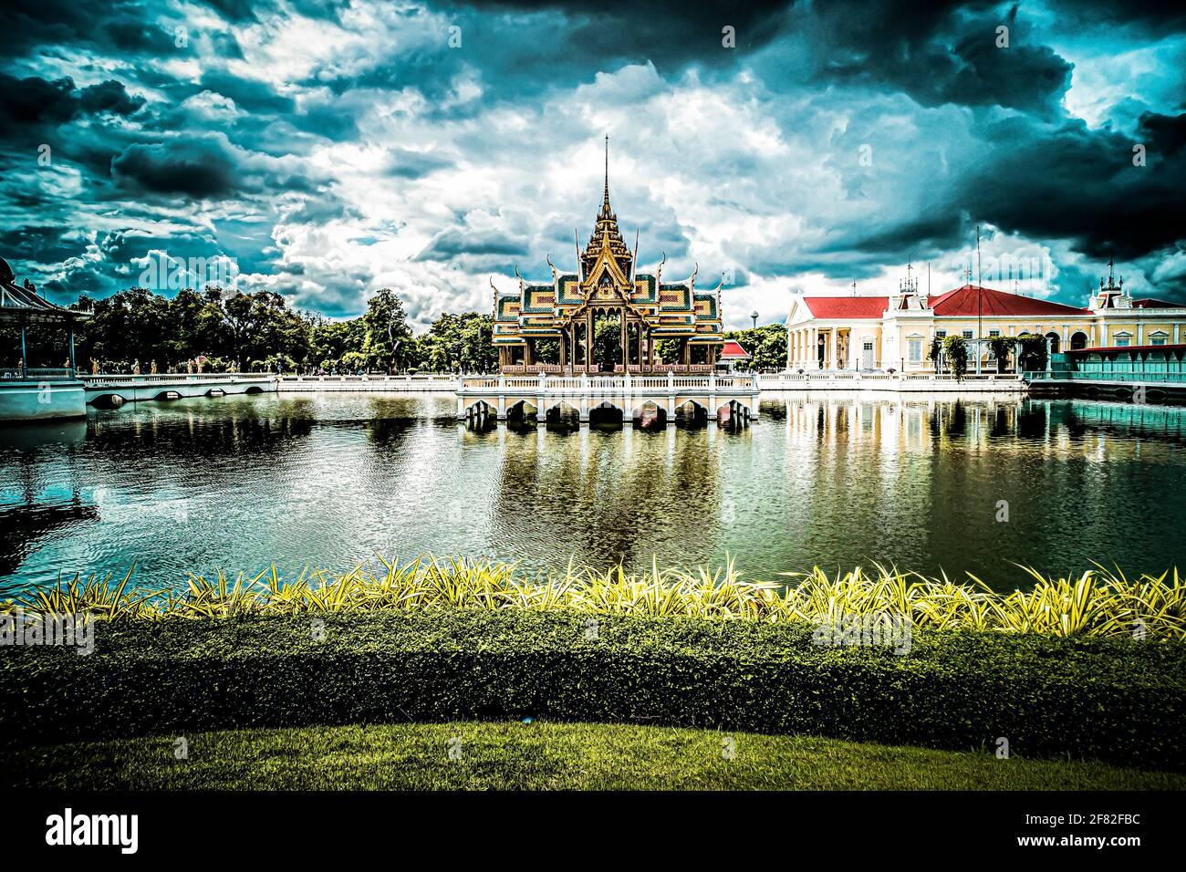 Aisawan-Dhipaya-Asana Pabellón histórico edificio histórico monumento arquitectura de viajes en Ayutthaya Tailandia. Foto de stock