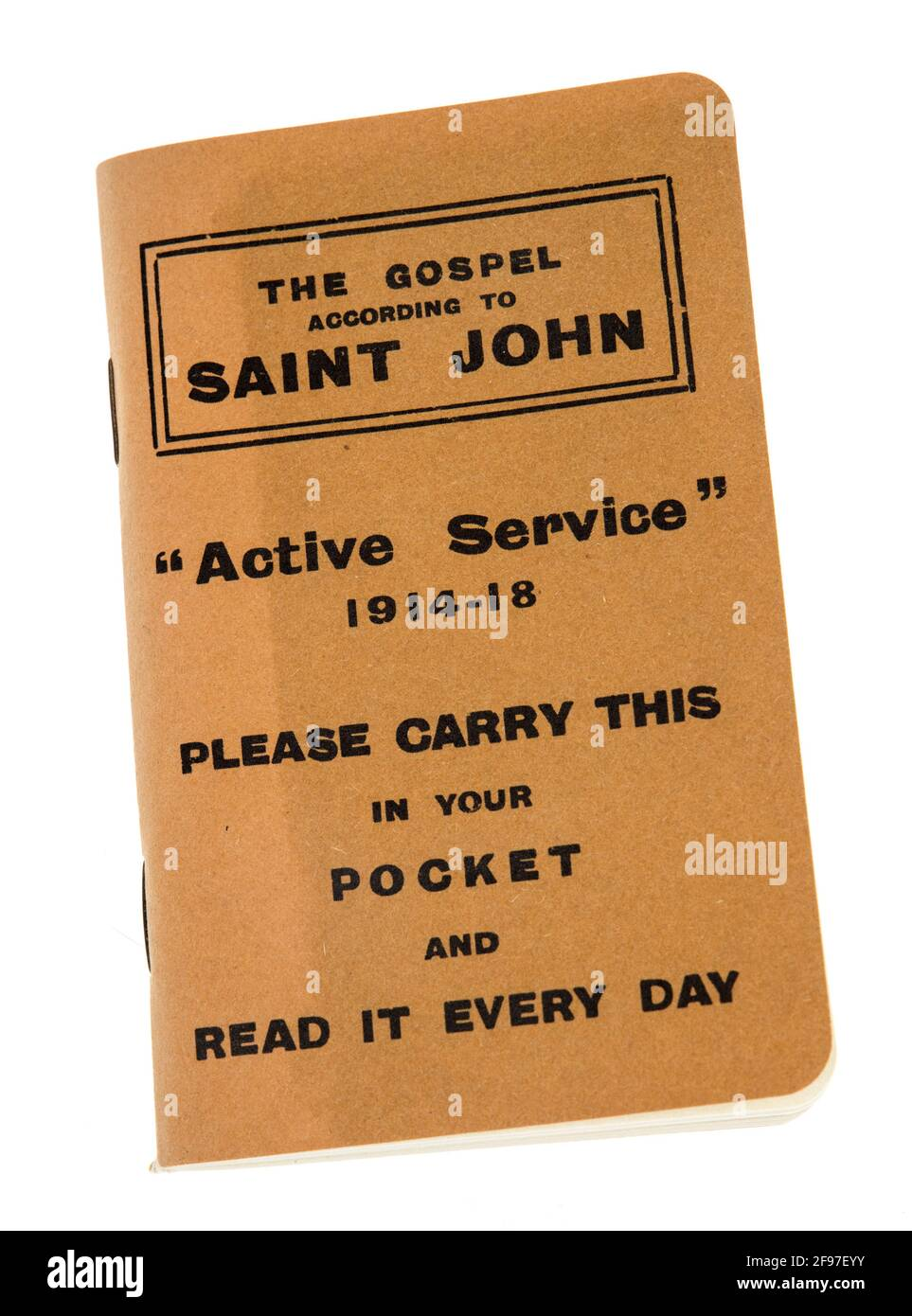 El Evangelio Según San Juan, un folleto producido por la Misión de Regalo de la Escritura y dado a los soldados británicos en servicio activo durante el primero Foto de stock