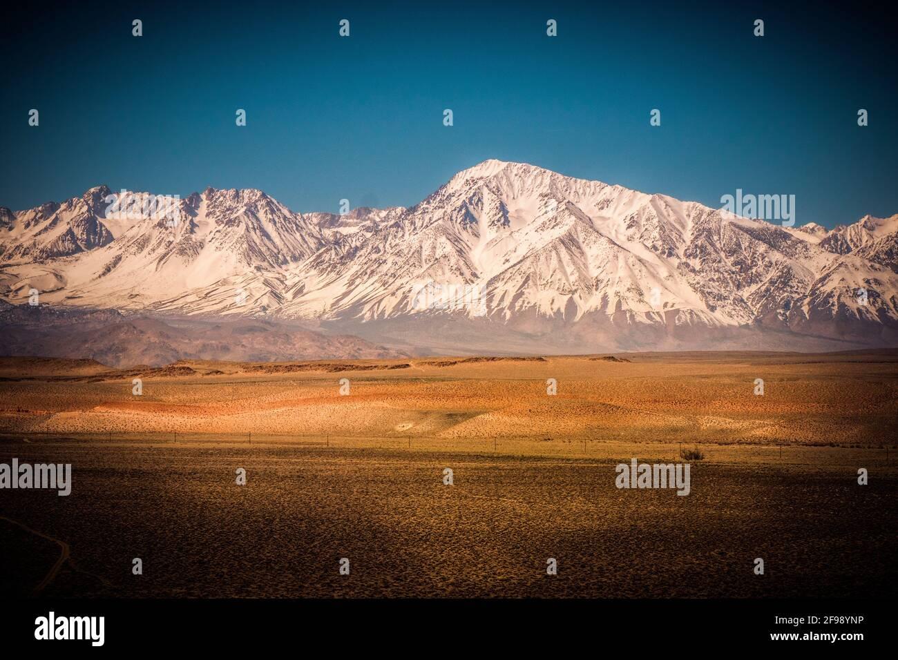 Paisaje infinito en Sierra Nevada - fotografía de viajes Foto de stock