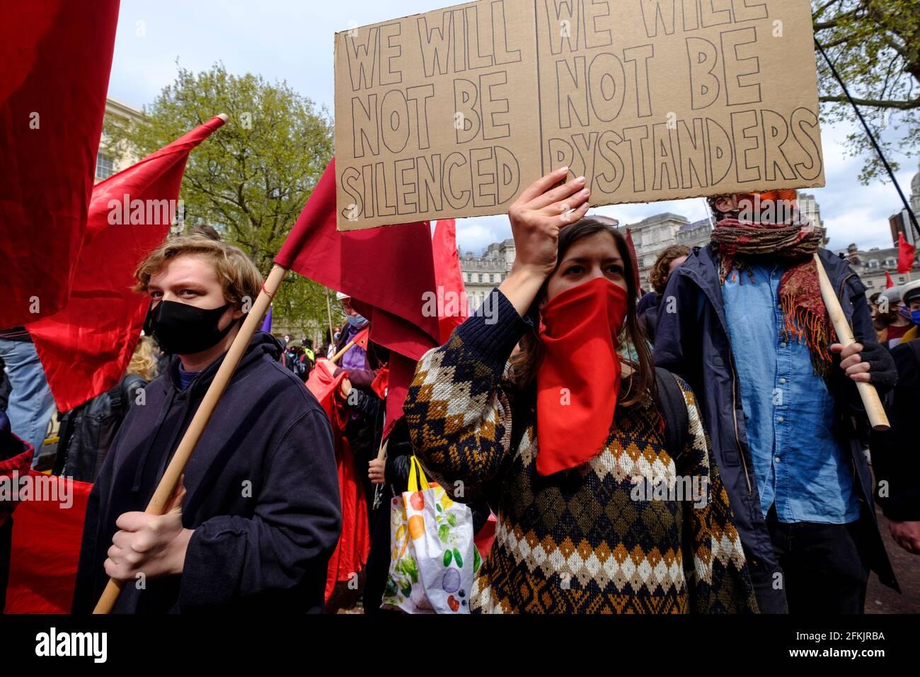 La protesta y manifestación del Día de Mayo Math the Bill Londres, Reino Unido, 1 de mayo de 2021. Miles de personas marcharon desde Trafalgar Square protestando contra la policía, el crimen, las sentencias y los tribunales recientemente propuestos que quitaban la libertad de expresión y reunión. Foto de stock