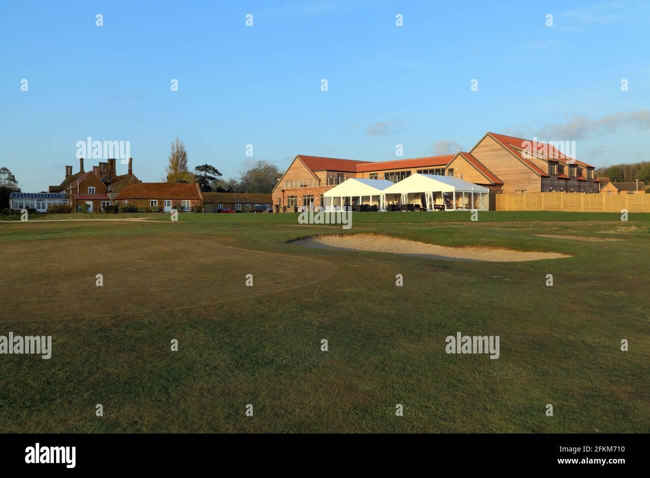Heacham Manor Hotel, Campo de golf, Casa Club, terraza, pabellón, 18th verde, Norfolk, Inglaterra, Reino Unido Foto de stock