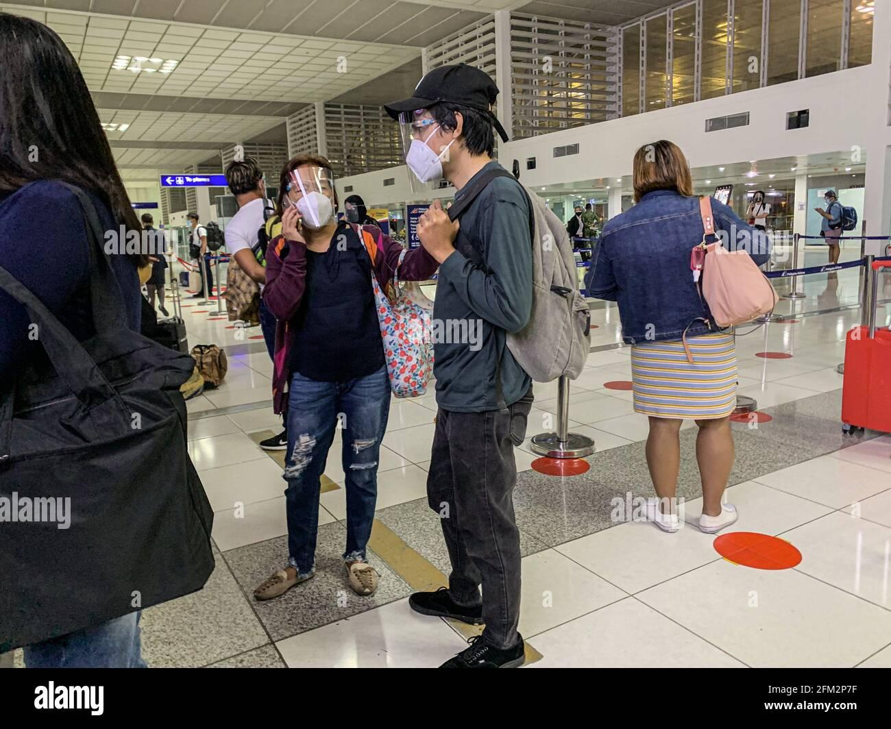 A pesar del aumento de casos de covid en Filipinas, el gobierno levantó algunas restricciones de viaje para alentar a la gente a viajar más localmente y ayudar a impulsar el turismo. Filipinas. Foto de stock