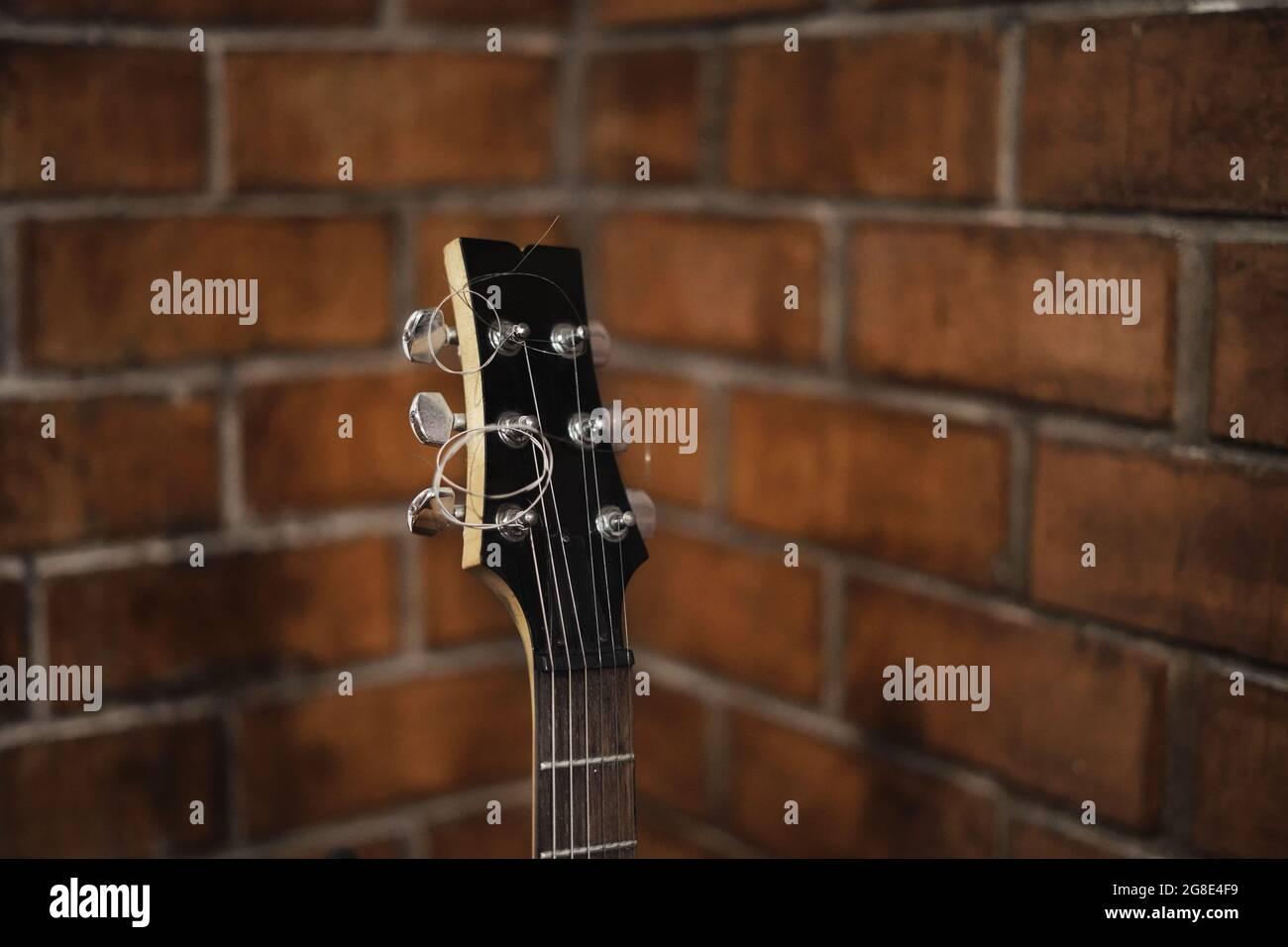 Guitarra eléctrica roja. Foto de stock