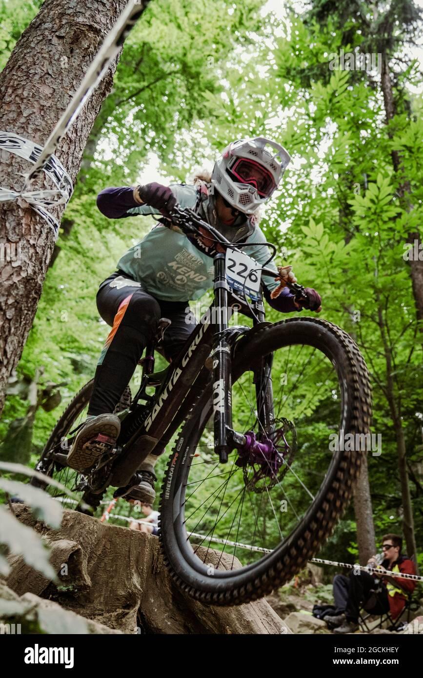 Luca MARIE WOLKENFELD de Alemania durante el Campeonato Europeo de la UEC MTB Downhill 2021, evento de Ciclismo el 8 de agosto de 2021 en Maribor, Eslovenia - Foto Olly Bowman / DPPI Foto de stock