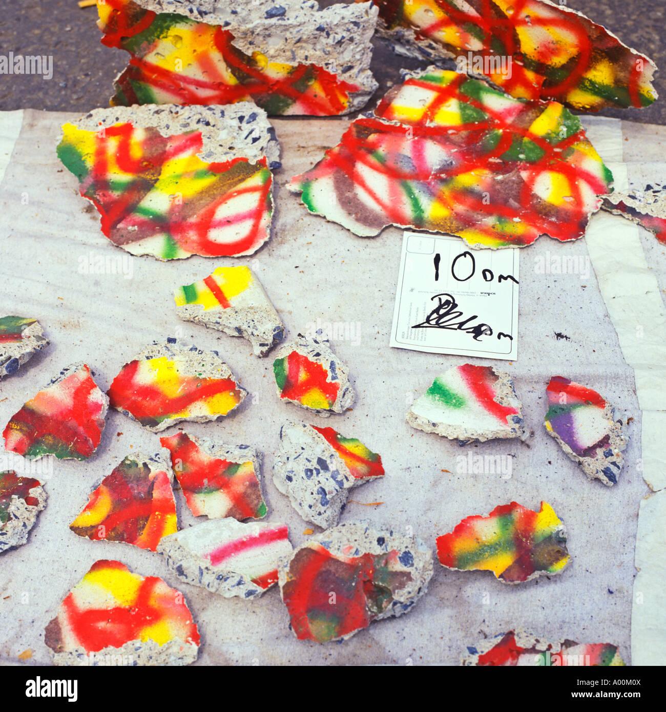 Trozos del muro de Berlín para la venta al final de la guerra fría Imagen De Stock