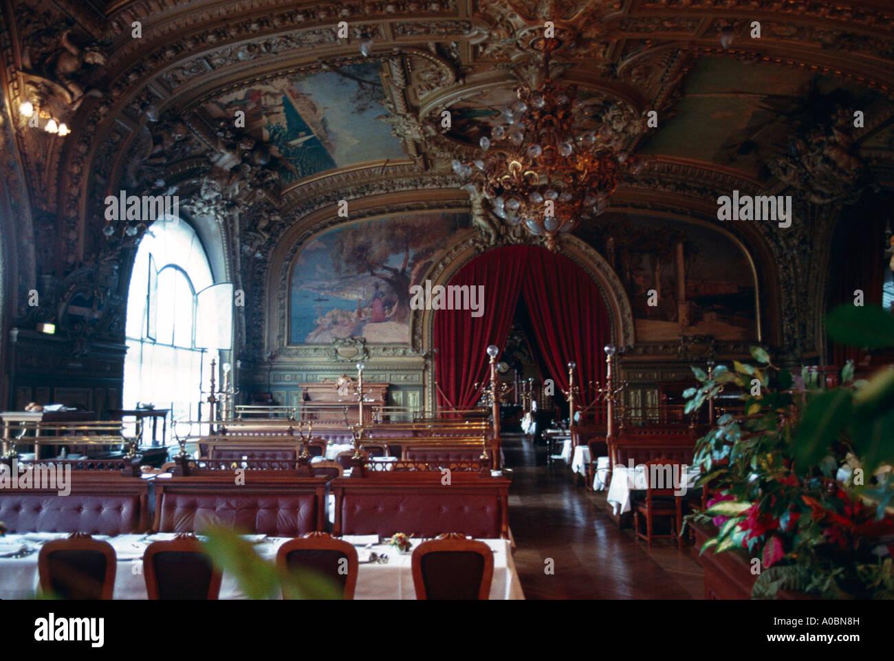 El restaurante Le Train Bleu Interieur Paris Foto de stock