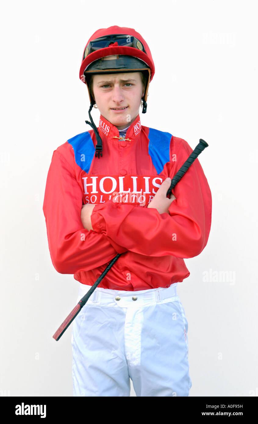 Jockey británico Adam Kirby ilustra a Chepstow Racecourse, al sur de Gales, Reino Unido, UE Imagen De Stock