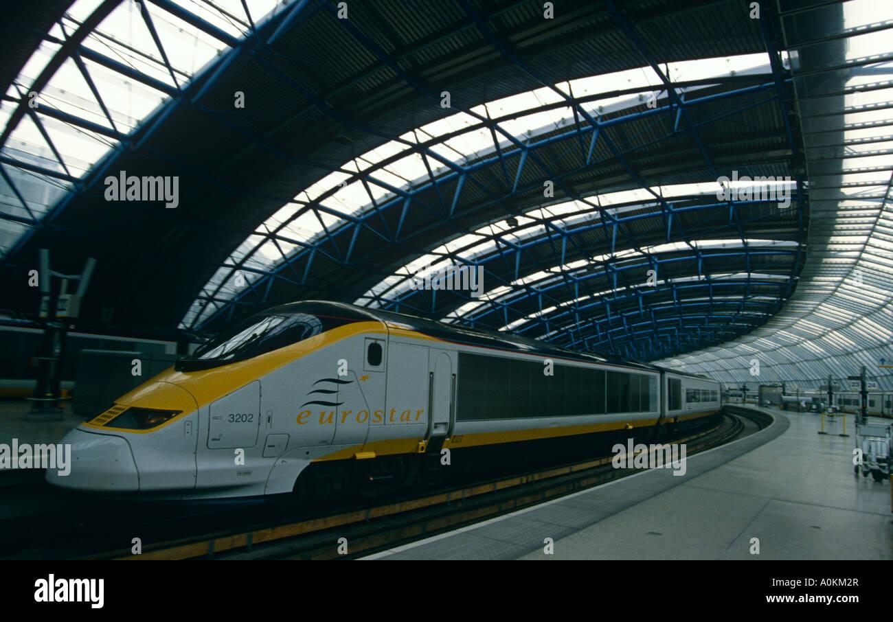Tren Eurostar en la estación Waterloo de Londres, Inglaterra Imagen De Stock