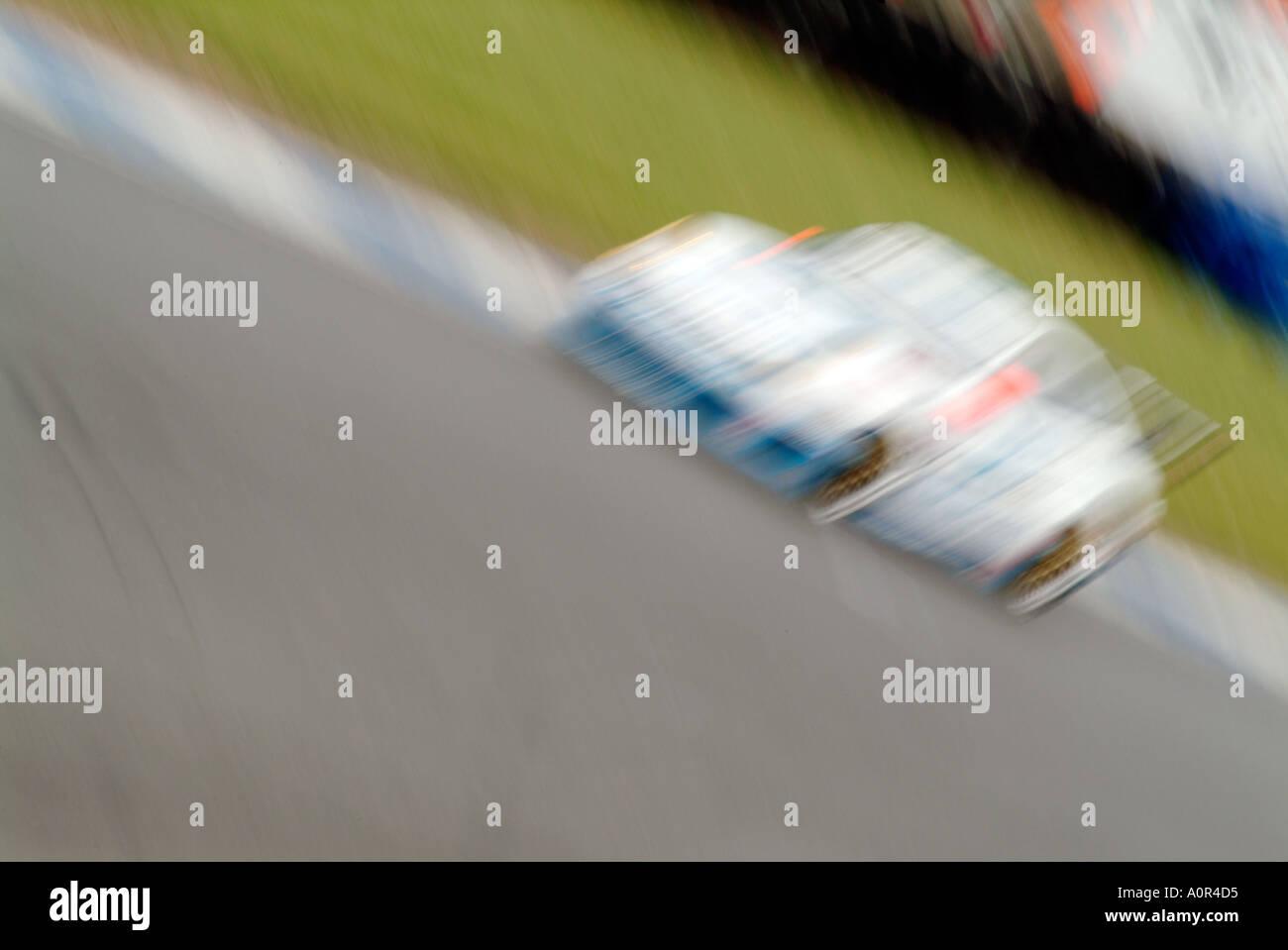 Carreras de coches Carrera motor sport auto win riesgo perder potencia Velocidad rápida de movimiento motion blur potencia motor riesgo competencia interés masculino Imagen De Stock