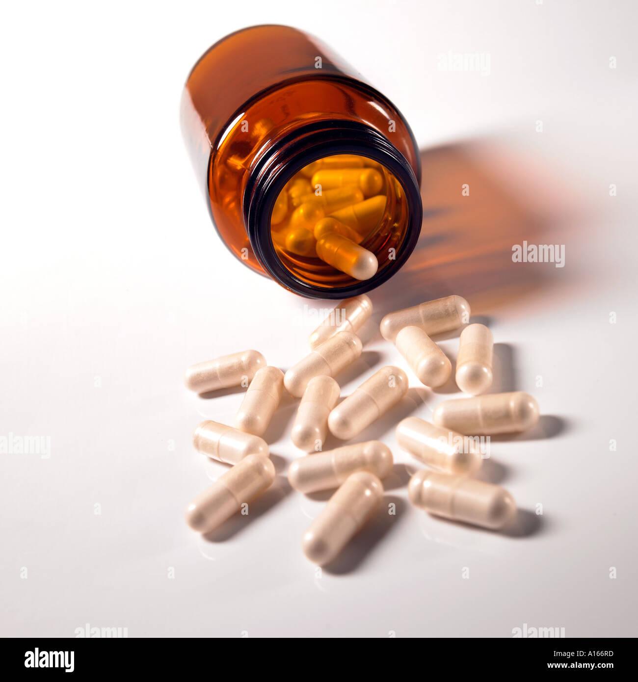 Píldoras se haya derramado. Foto de stock