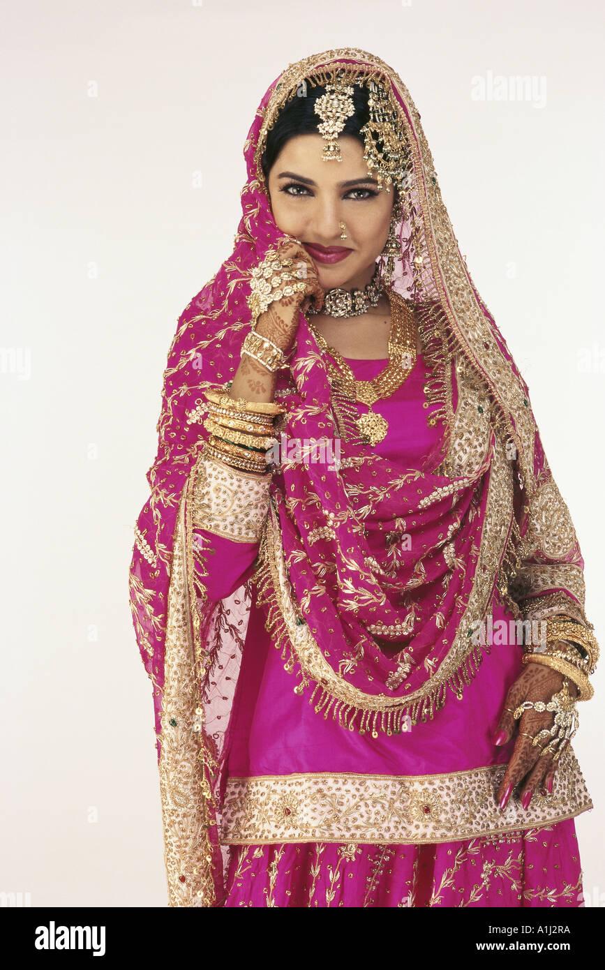 Encantador Vestidos De Novia De La India Para Los Huéspedes ...