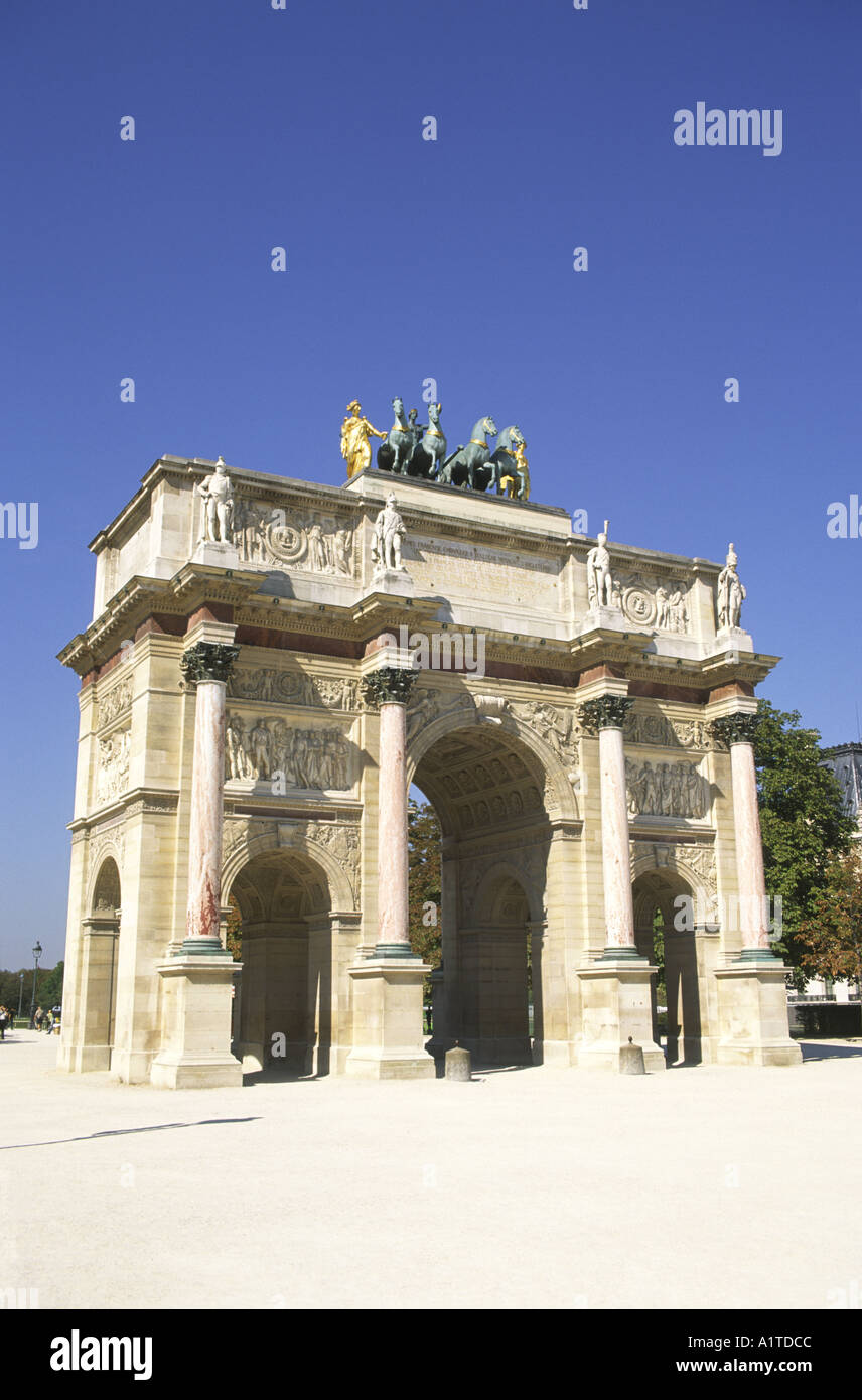 Arc de triomphe du Carrousel, Jardin des Tuilleries, París Foto de stock