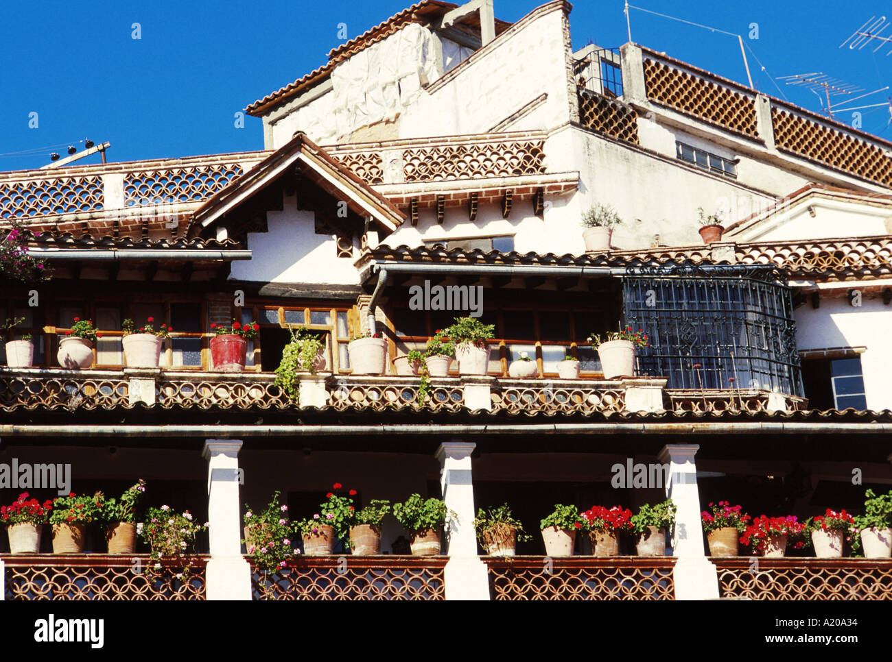 Terrazas En Taxco México Con Macetas La Arquitectura Típica
