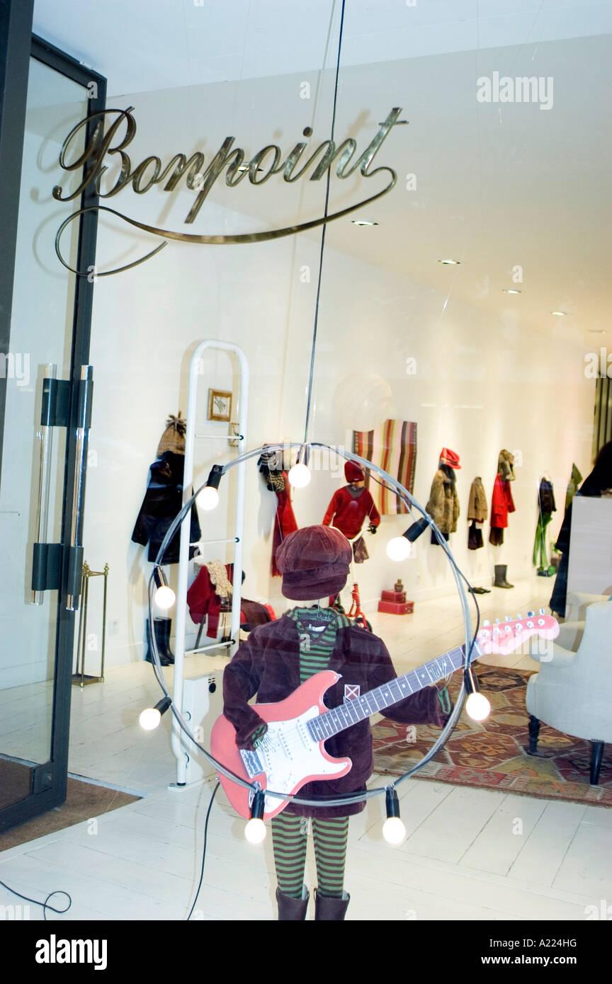 París, Francia, tiendas, tiendas de lujo, 'boutique' Bonpoint escaparates de visualización de Imagen De Stock