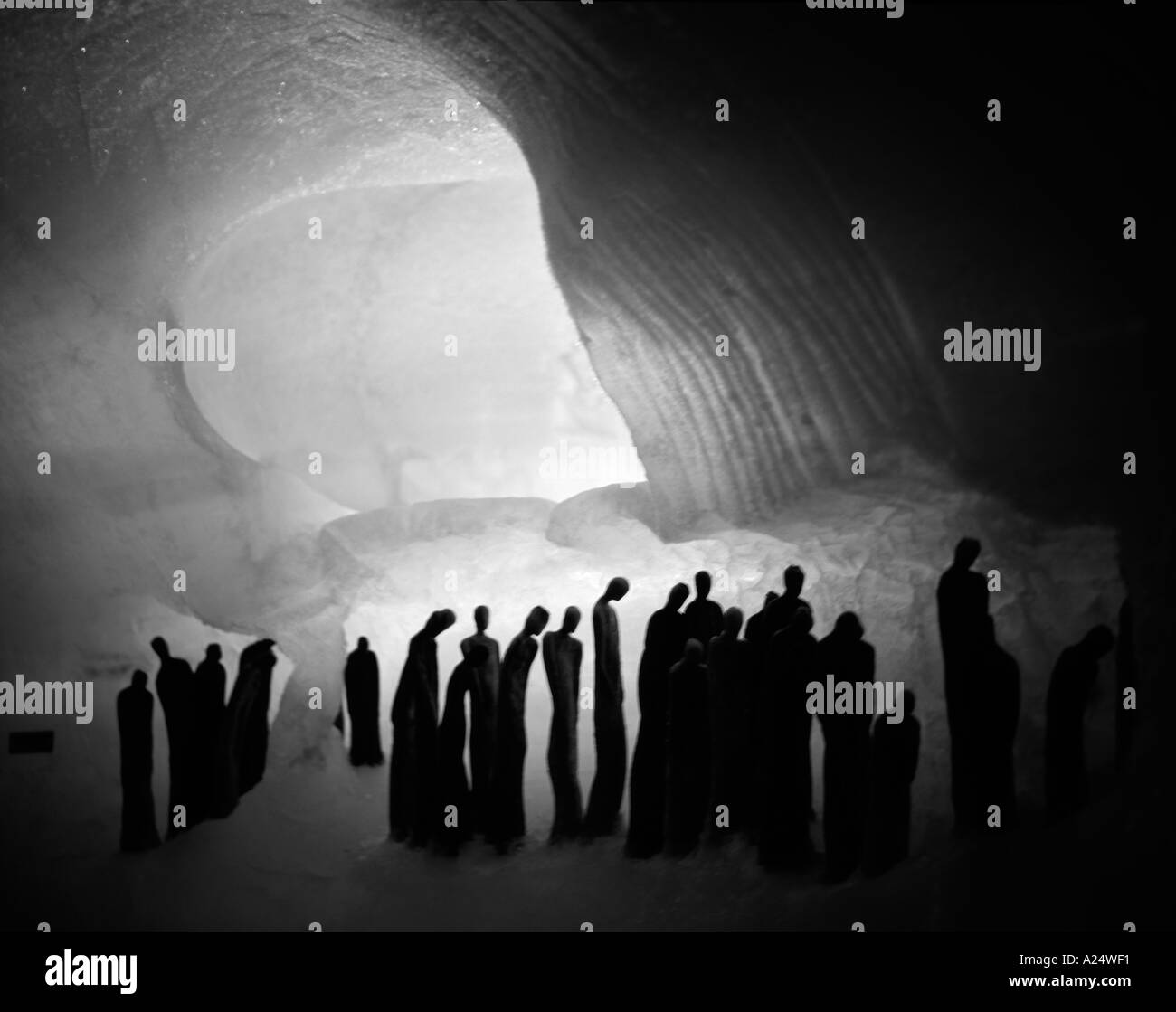 Arte en la cueva de hielo de Rohnegretscher Foto de stock