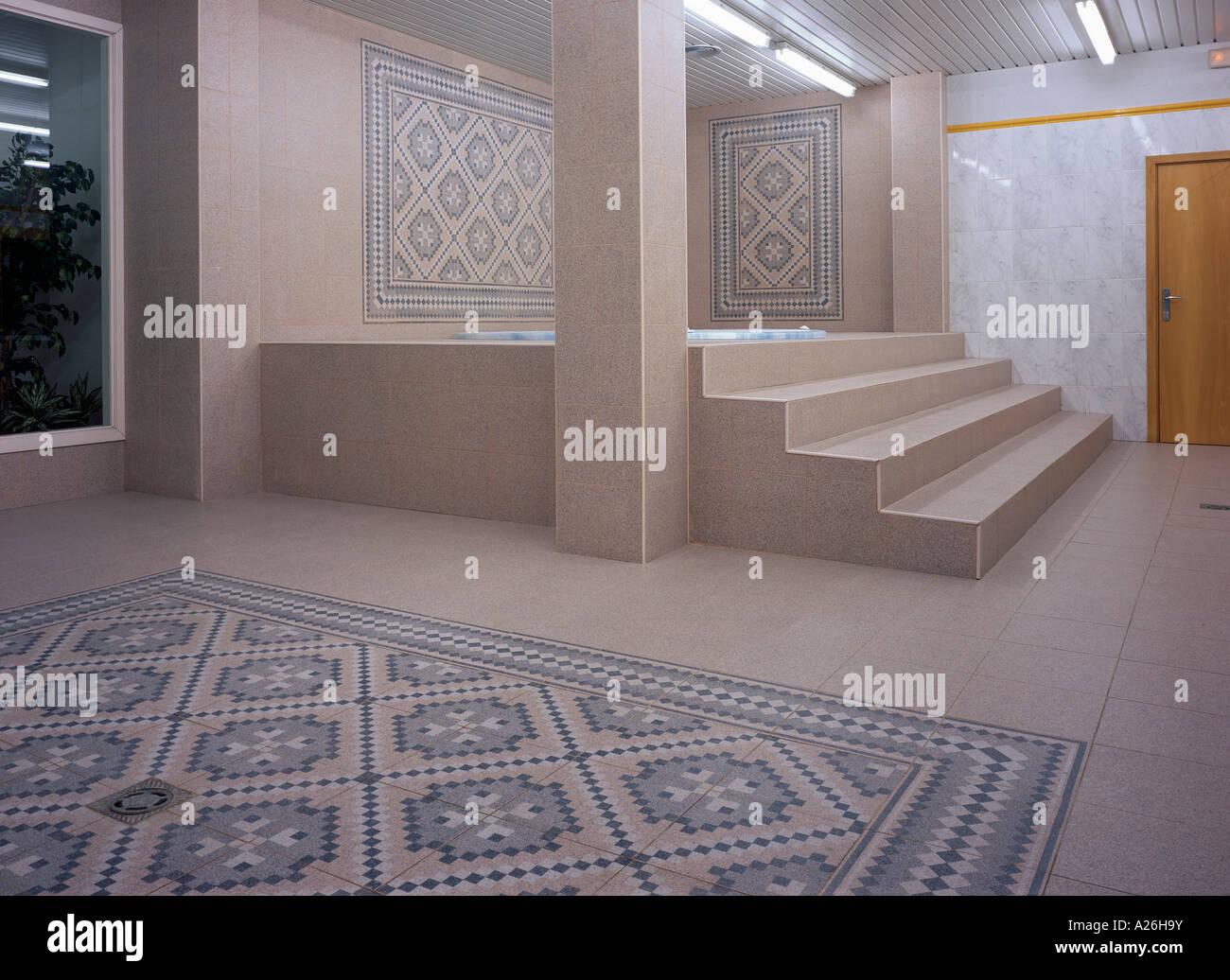 Jacuzzi Interior Medidas.Vista De Medidas Conducentes A Un Jacuzzi Foto Imagen De