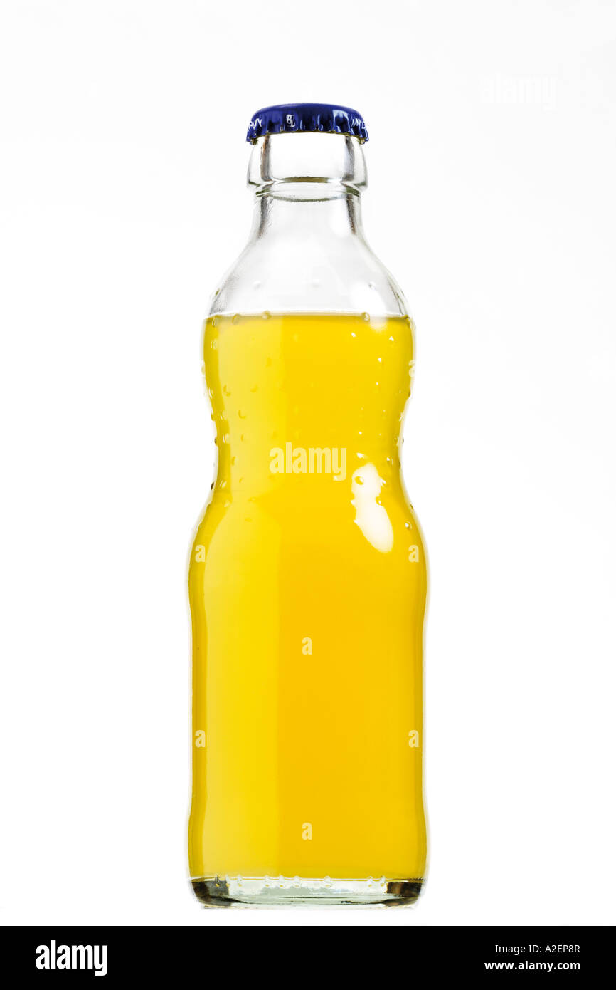 Botella de líquido amarillo Imagen De Stock
